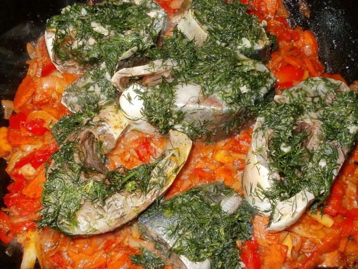 Тунец с овощами в духовке рецепт